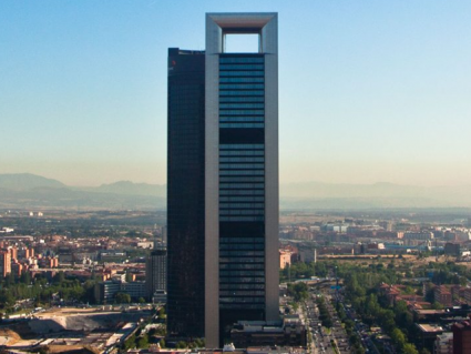 Amancio Ortega, buys Torre Cepsa for 490 million euros!