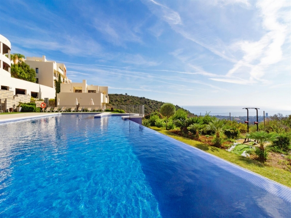 2 Bedroom Apartment For Sale, Altos de los Monteros
